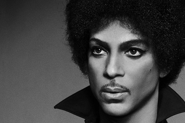 Relembre as cinco faixas mais inesquecíveis de Prince Background