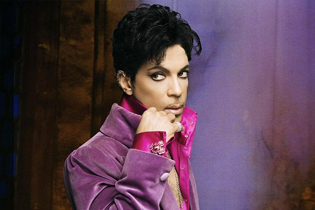 Três discos de Prince no Top 10 da Billboard Background