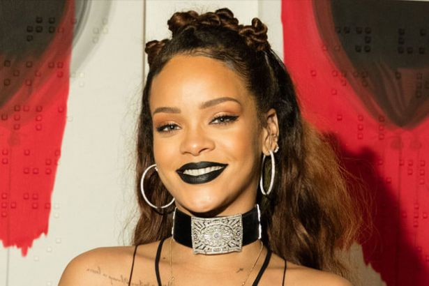 Placeholder - loading - Rihanna não virá mais à América do Sul em 2016 Background