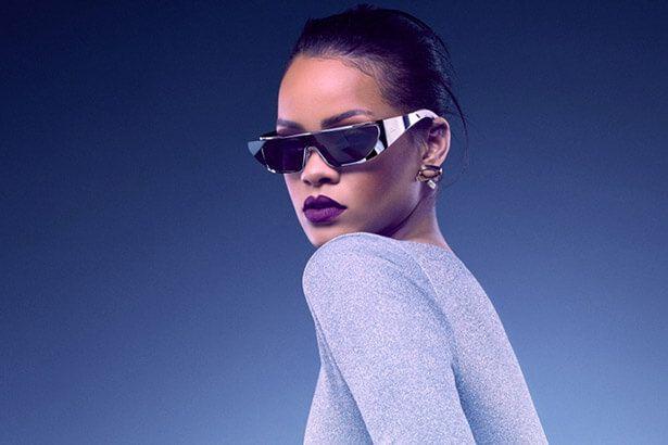Rihanna lança coleção de óculos com a Dior Background