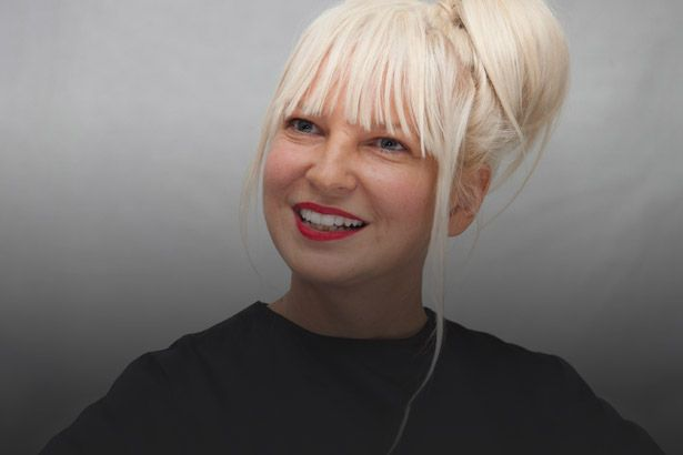 Sia anuncia disco de músicas natalinas Background