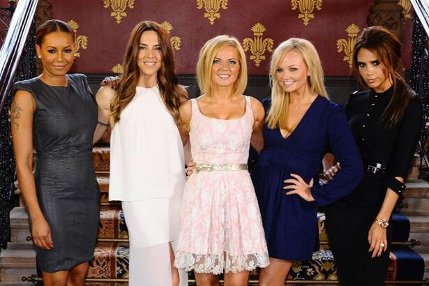 Spice Girls anunciam reencontro em trio Background