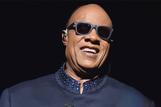 Stevie Wonder completa 66 anos! Background