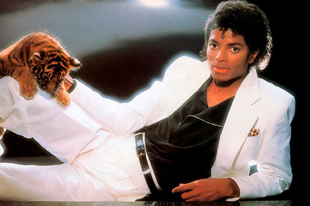 Thriller segue como maior detentor de certificados no EUA Background