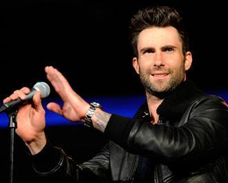 "Placeholder - loading - Maroon 5 libera clipe de ""This Summer's Gonna Hurt"""
