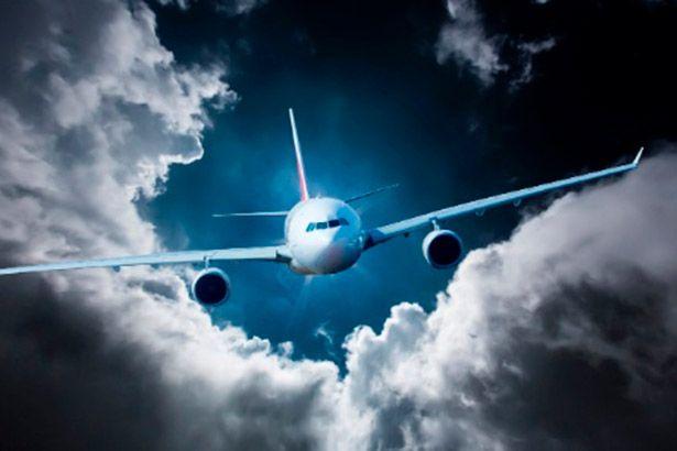 Mudanças climáticas deixarão os voos mais turbulentos, afirma estudo Background