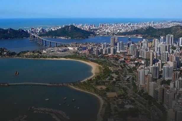 Vitória é a cidade brasileira que mais investe em saúde Background