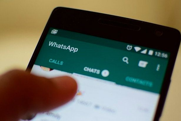 WhatsApp pode permitir marcar contatos como favoritos Background