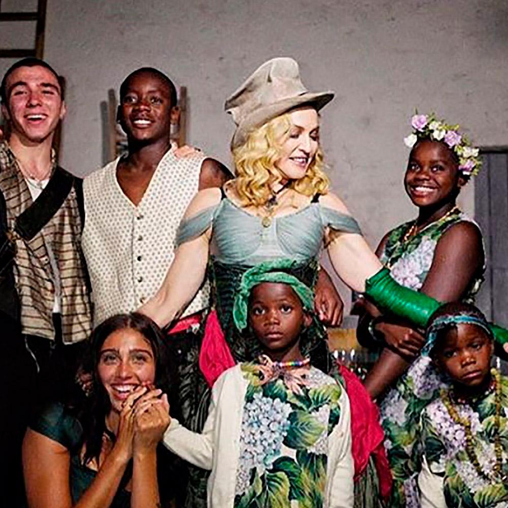 Madonna e seus filhos. Crédito da imagem: Portal pop